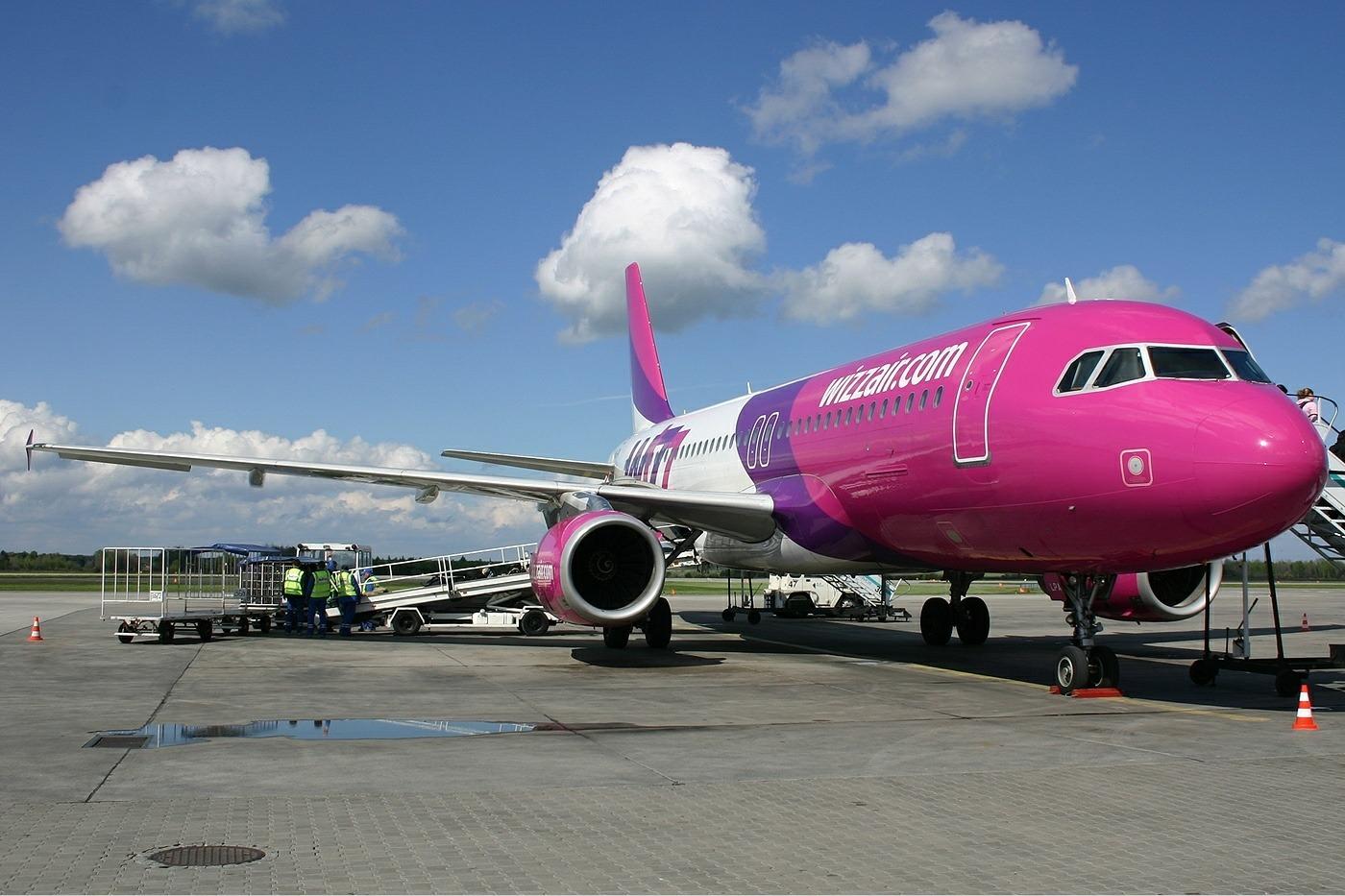 Wizzair_Airbus_A320_Pinter