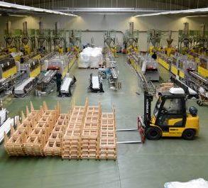 Работники на производство металлопластиковых окон Drutex