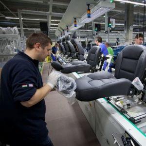 Легальная работа в Чехии вакансии на фабрике автодеталей