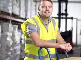 работа в польше для мужчины на складах